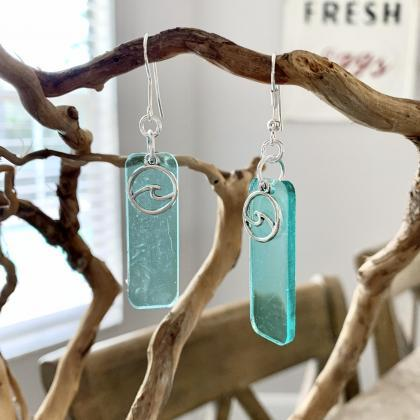 Resin art,wave earrings,beach jewel..