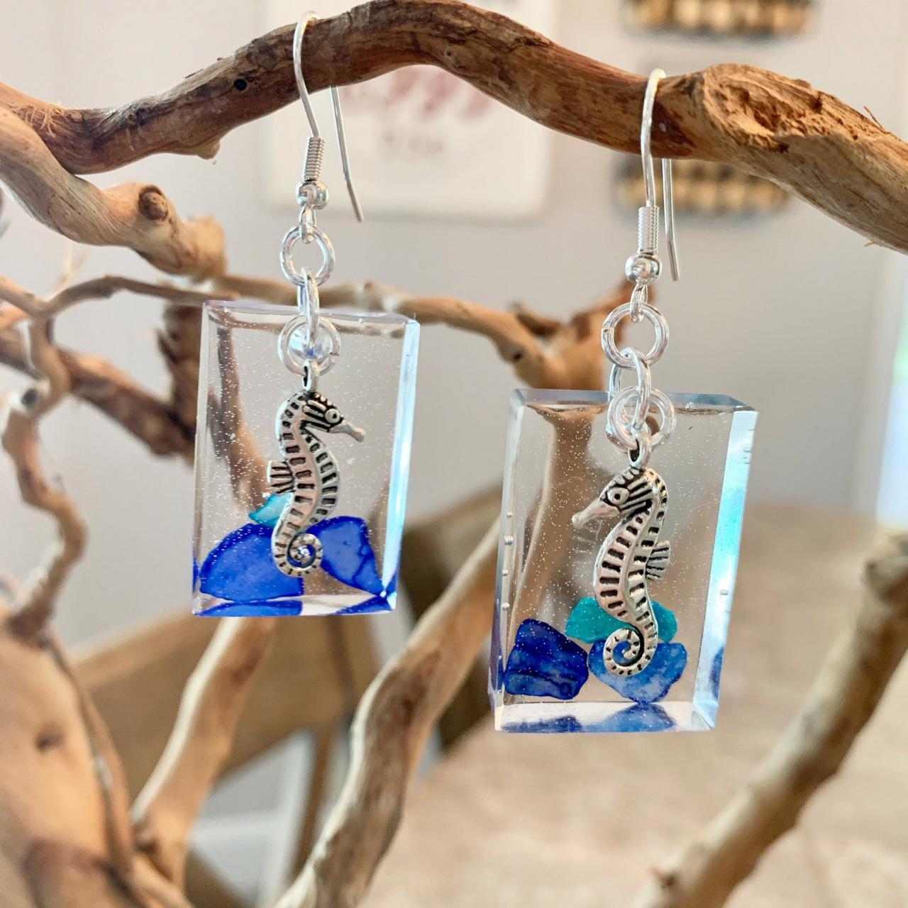 Seahorse earrings,resin art earrings,crushed shell earrings,beach jewelry, jewelry for women,gift for beach lover,ocean creature jewelry,