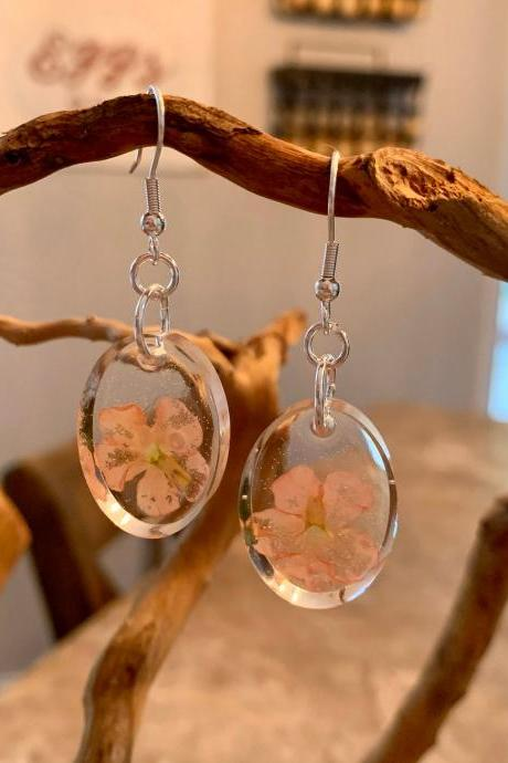 Pink pressed dried flowers earrings, resin flower jewelry,gift for graduation, preserved flowers, boho, minimalist jewelry gifts, nature gift, botanic