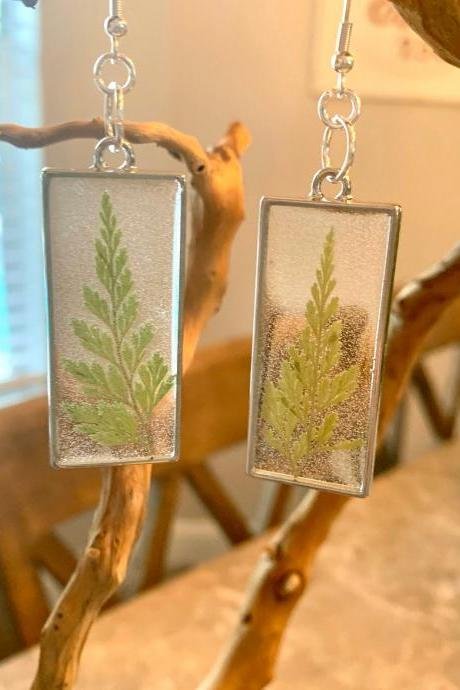 Pressed dried fern earrings,resin fern jewelry,boho,minimalist jewelry,gift for woman,resin art,Graduation ,birthday,garden,nature,handmade