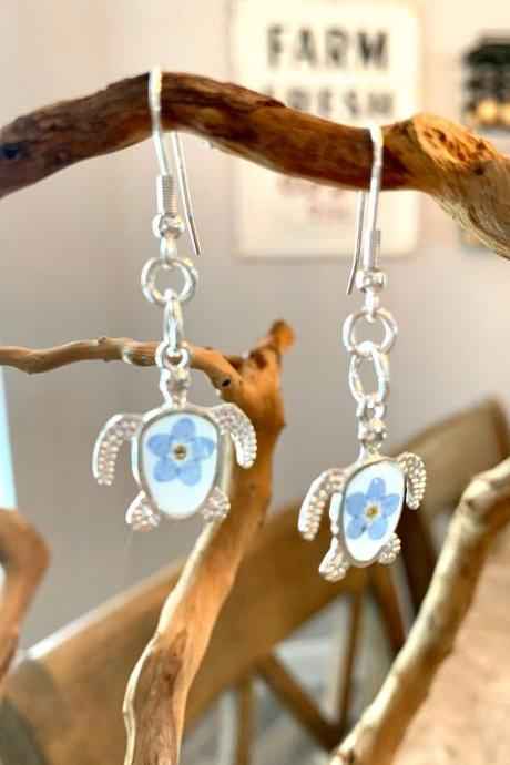 Sea turtle resin pressed flower earrings jewelry, real flower earrings,tropical jewelry,cruise jewelry,vacation jewelry,jewelry for women,nature