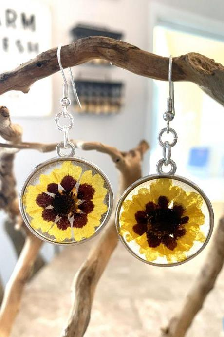 Resin pressed sunflower earrings,Real flower earrings, resin jewelry,botanical,jewelry for women