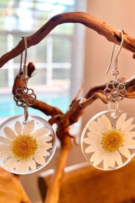 Resin pressed daisy flower earrings,real flower earrings,graduation gift,jewelry for women,nature,resin art,handmade,minimalist jewelry,summer jewelry,gift 4