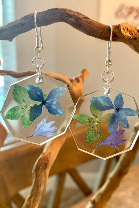 Pressed dried flower earrings, resin jewelry for women,botanical,preserved flowers,graduation gift,birthday,summer jewelry,colorful jewelry,
