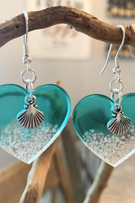 Beach jewelry,shell earrings,resin art,wave,summer earrings,tropical,vacation jewelry,cruise,grad gift,birthday,jewelry for women,beach love