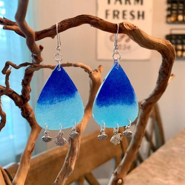 Resin earrings,tropical earrings,beach jewelry,summer fashion,jewelry for women,beach earrings,beach accessories,dangle earring,gift ideas